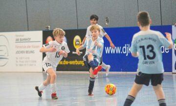 Fußball: Hallenturniere laufen wie am Schnürchen