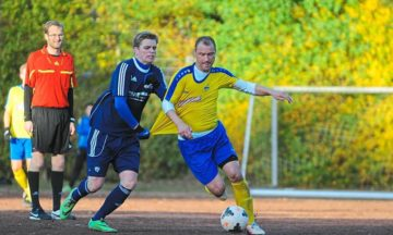 Fußball: Wer zieht die Reißleine?