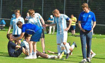Fußball: Aufräumarbeiten in der Emsaue