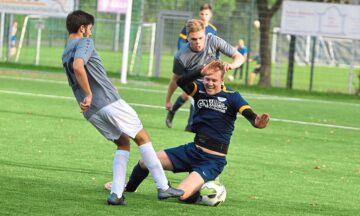 Fußball: Blau-weißes Drehmoment