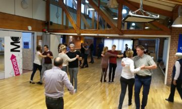 Sonntags wird das Tanzbein im SportCentrum geschwungen