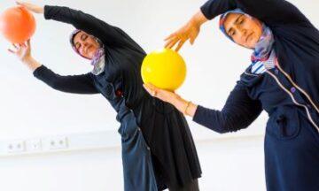 Gymnastik für Frauen aus anderen Kulturen