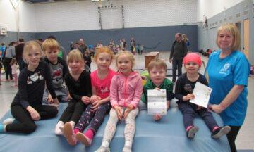 100 Kinder absolvieren KIBAZ